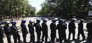 Zimbabwe police baring fangs against protesters