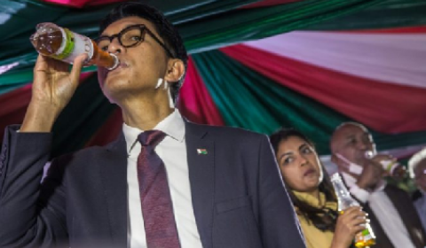 Madagascar president launches local coronavirus tea
