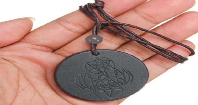 Energy pendant can be held in the hand